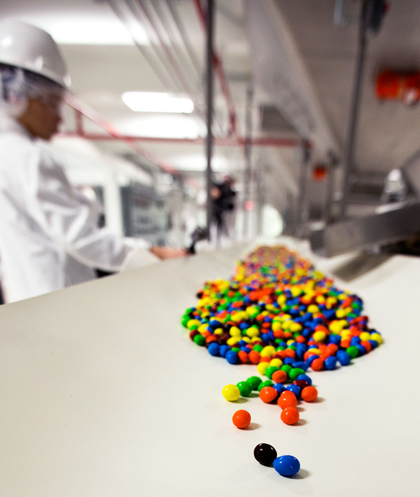 mms candy in factory