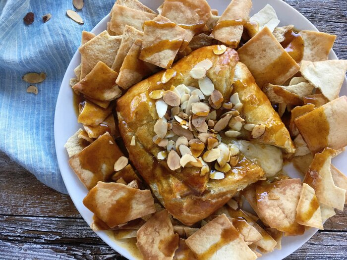 baked-brie-maple-sauce