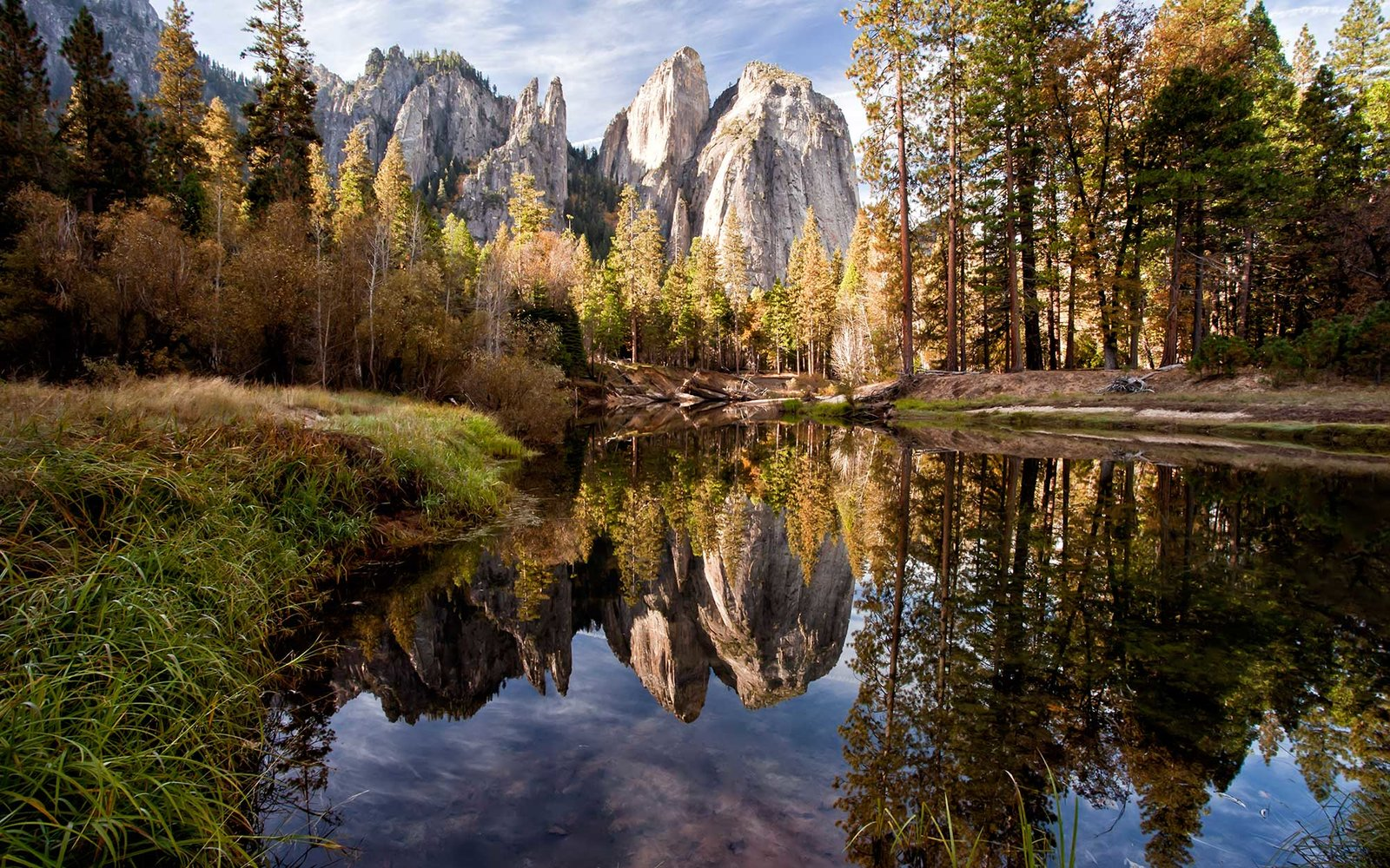 image?url=http%3A%2F%2Fcdn-image.travelandleisure.com%2Fsites%2Fdefault%2Ffiles%2Fstyles%2F1600x1000%2Fpublic%2F1463496573%2Fgrand-teton-FIFTY0516 The Best National Park in Every State Lifestyle Travel [your]NEWS