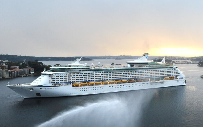 Royal Caribbean Internationals Voyager Of The Seas Cruise Ship - Grand voyager cruise ship