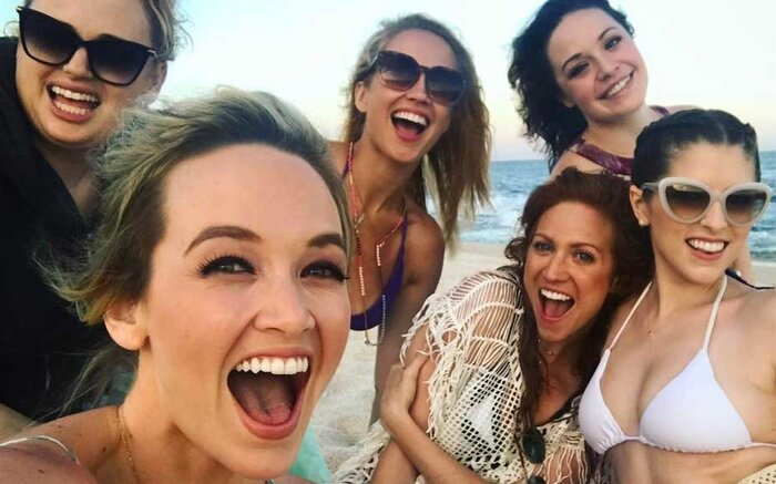 The cast of pitch perfect just took a pitch perfect friendcation pitch perfect cast voltagebd Choice Image