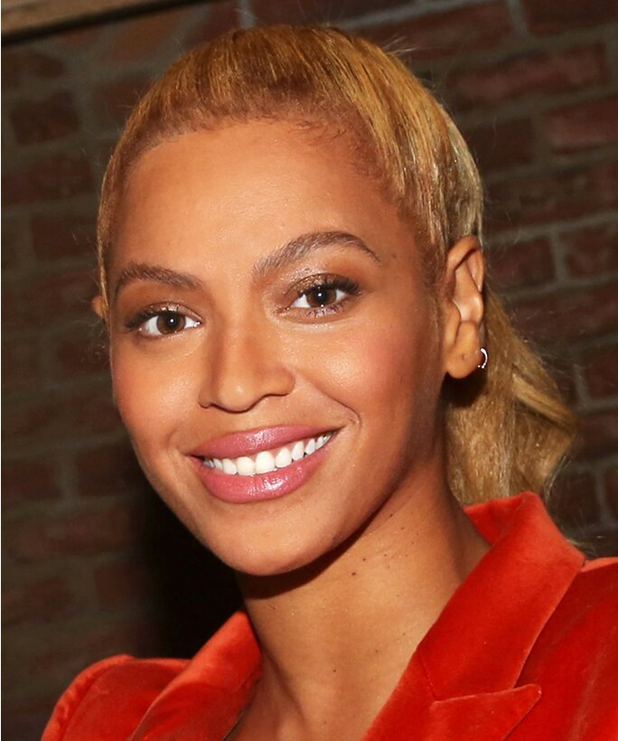 Beyonce Eye Color Change