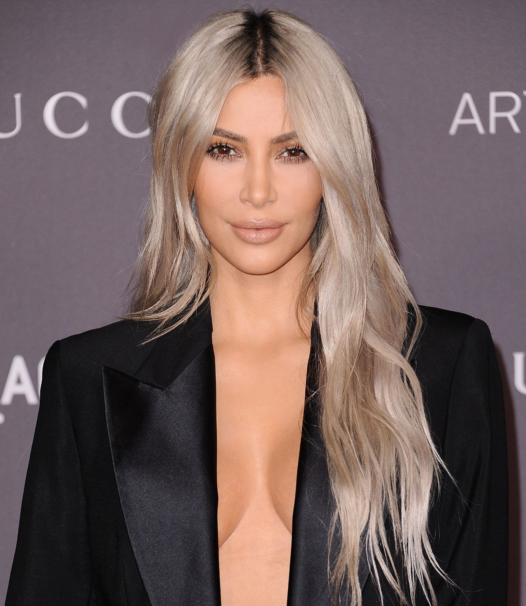 Blonde Hair Colors And Styles Gorgeous Blonde Hair Dark Roots Celebrity Hair Trend  Instyle