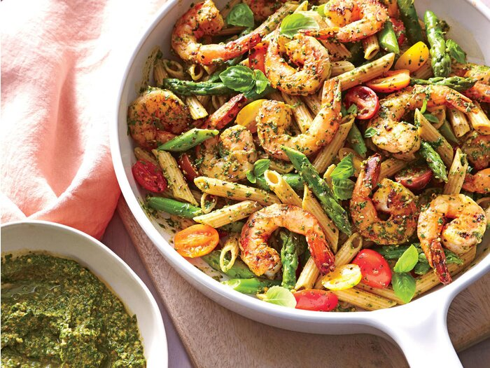 Starter Dish Spinach Pesto Pasta With Shrimp