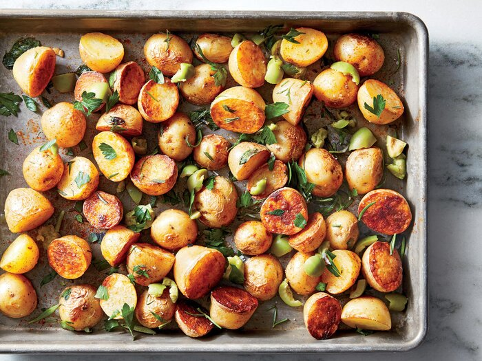 Spanish style roasted potatoes recipe cooking light spanish style roasted potatoes forumfinder Images