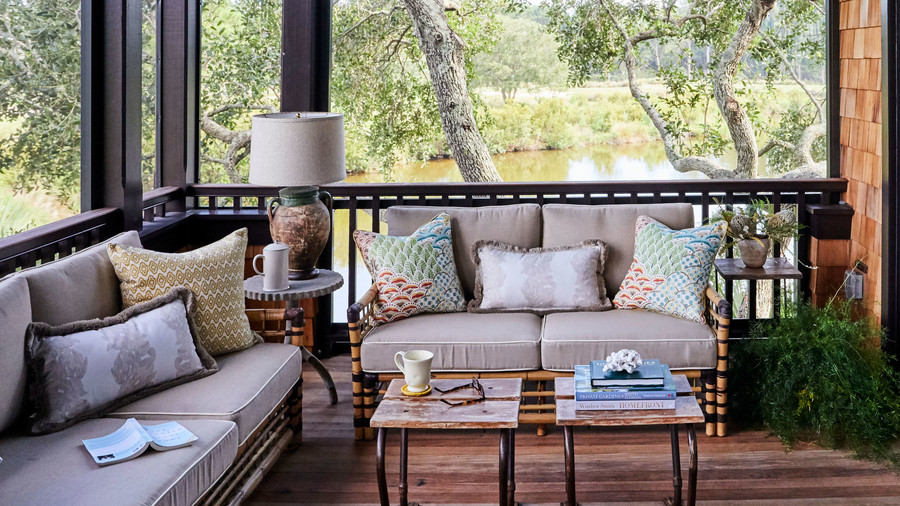 Tour This Gorgeous Lowcountry Beach House (Southern Life magazine)