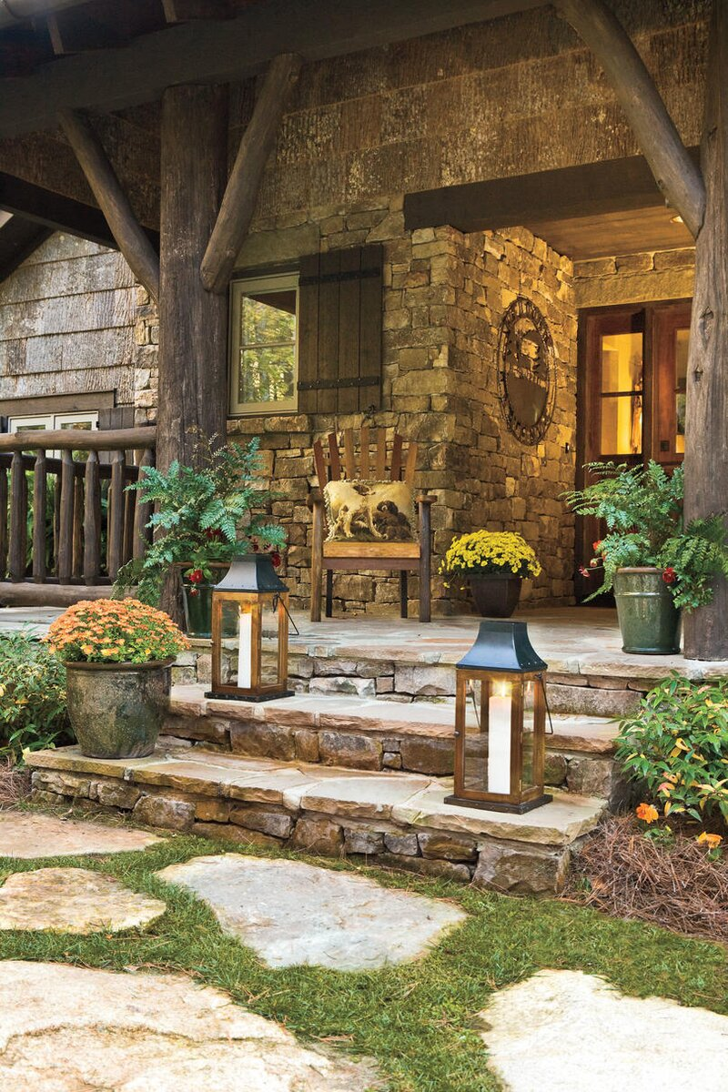 Fall\'s Best Outdoor Spaces - Comstock & Calhoun Real Estate Company
