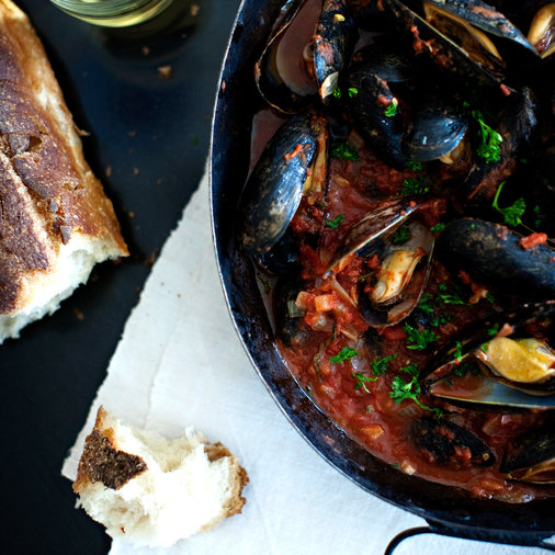 Steamed Mussels with Tomato-Garlic Broth