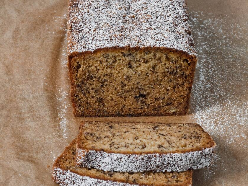 Old fashioned banana bread recipe lisa ritter food wine 200911 r banana breadg forumfinder Images