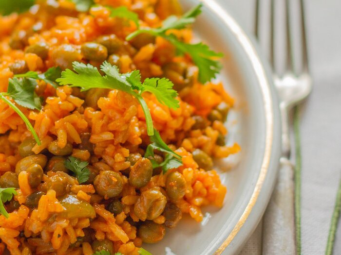 Arroz con gandules puerto rican rice with peas recipe emily original 201402 r arroz con gandules puerto rican forumfinder Images