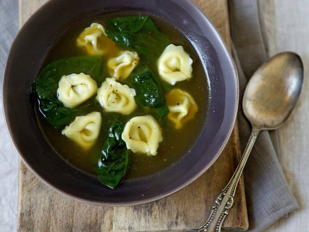 tortellini and spinach in garlic broth recipe quick from scratch