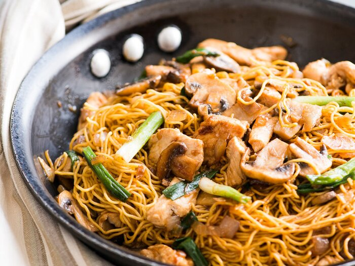 Mushroom and garlic chicken chow mein recipe todd porter and diane original 201403 r mushroom garlic chicken chow mein forumfinder Image collections