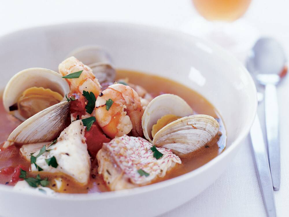 San francisco seafood stew recipe bobby flay food wine fw200507seafoodstewg forumfinder Images