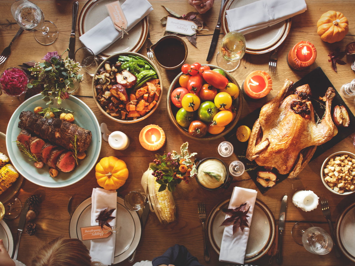 Thanksgiving Table Decorating