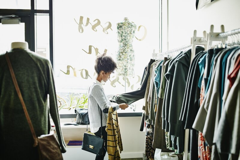 How to Avoid Impulse Buys, Woman Shopping