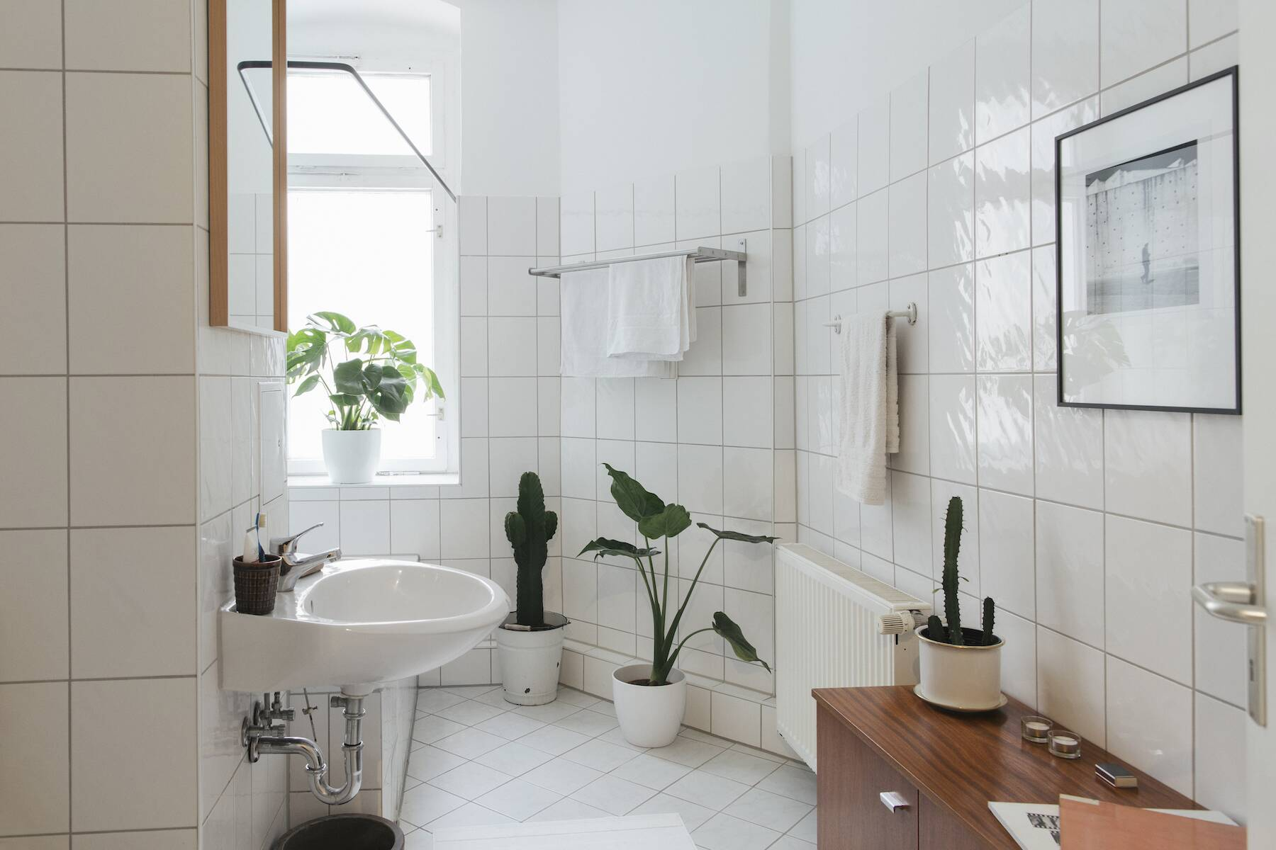 How To Clean Your Bathroom In 7 Steps