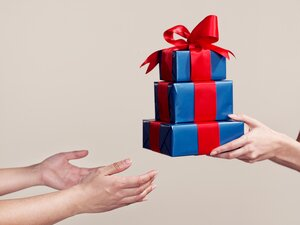 The right way to deal with gifts you dont want real simple pwhat to do with gifts you solutioingenieria Images