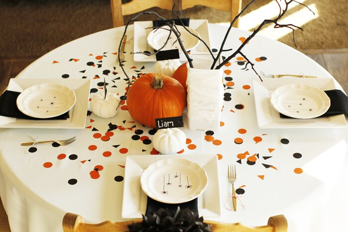 halloween party table - Halloween Table Decoration