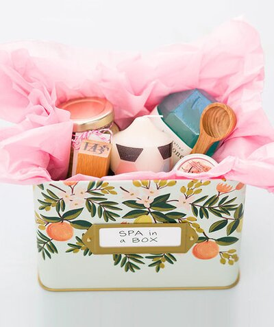 7 diy spa gifts for mom real simple spa in a box solutioingenieria Images
