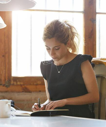 Work Clothes For Women At Desk