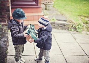 7 habits of thoughtful gift givers real simple children giving gift negle Choice Image