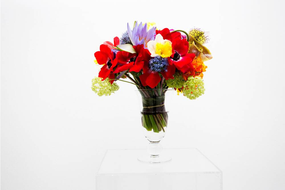 Easy table centerpieces for spring real simple multicolor mix mightylinksfo