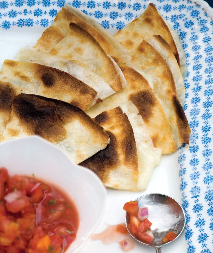 Quick party appetizers real simple cheese quesadillas forumfinder Images