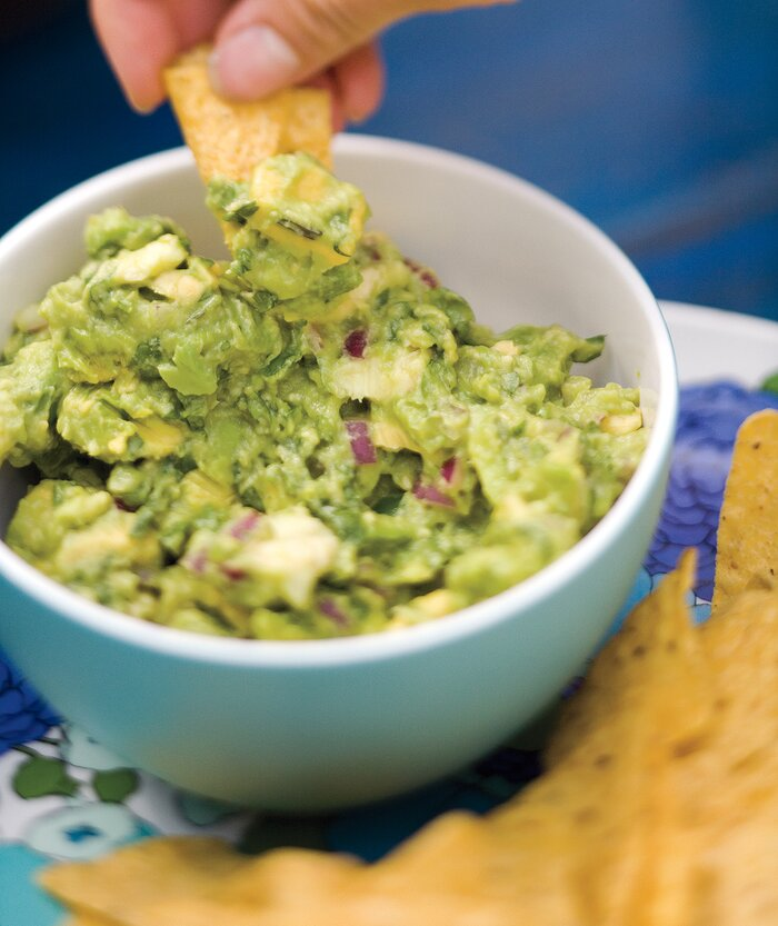 Guacamole and chips recipe real simple guacamole and chips forumfinder Images