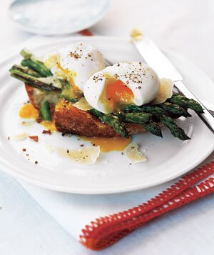15 low calorie breakfast recipes real simple asparagus and soft eggs on toast forumfinder Images