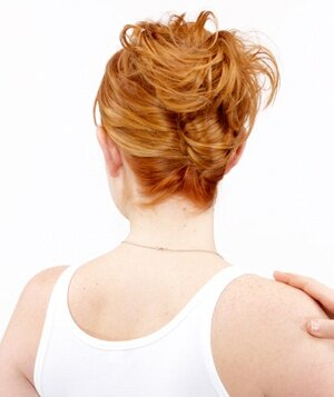 How to do an easy french twist real simple step 5 of the easy french twist solutioingenieria Image collections