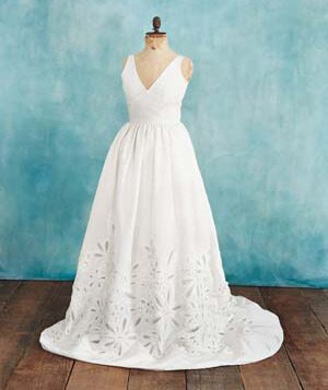 Wedding Dresses How To Choose The Perfect Dress For Your Body Type