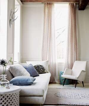 beige room with light pink curtains. beautiful ideas. Home Design Ideas