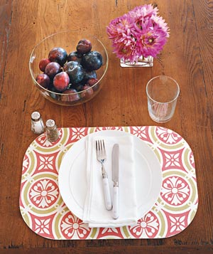 Place setting on bright place mat