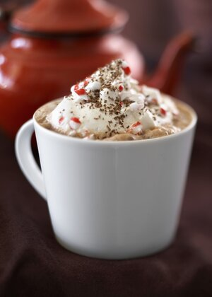 How to make hot chocolate for one real simple peppermint hot chocolate ccuart Image collections