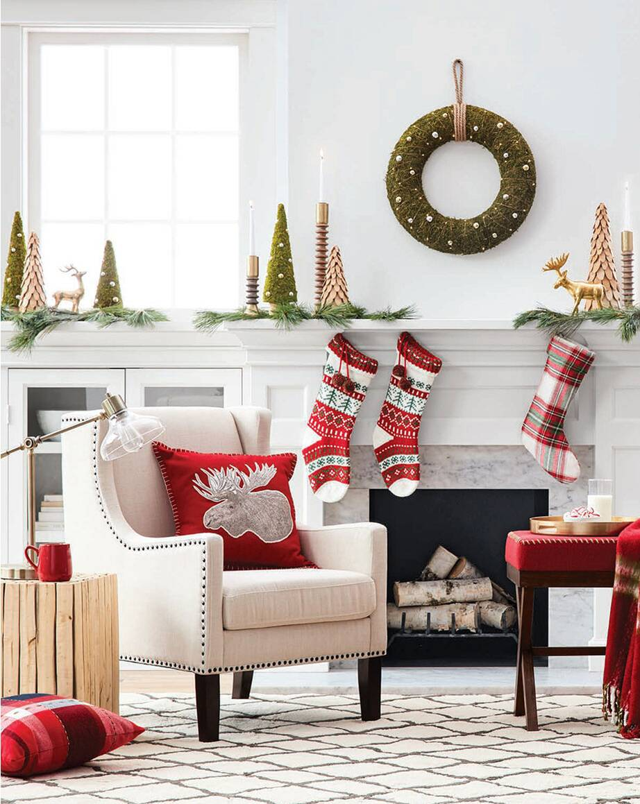 mix traditional with modern - Christmas Decoration Catalogs
