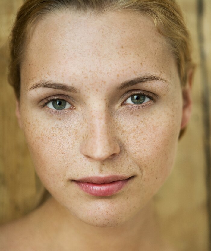 How to do natural makeup real simple woman with natural makeup solutioingenieria Image collections