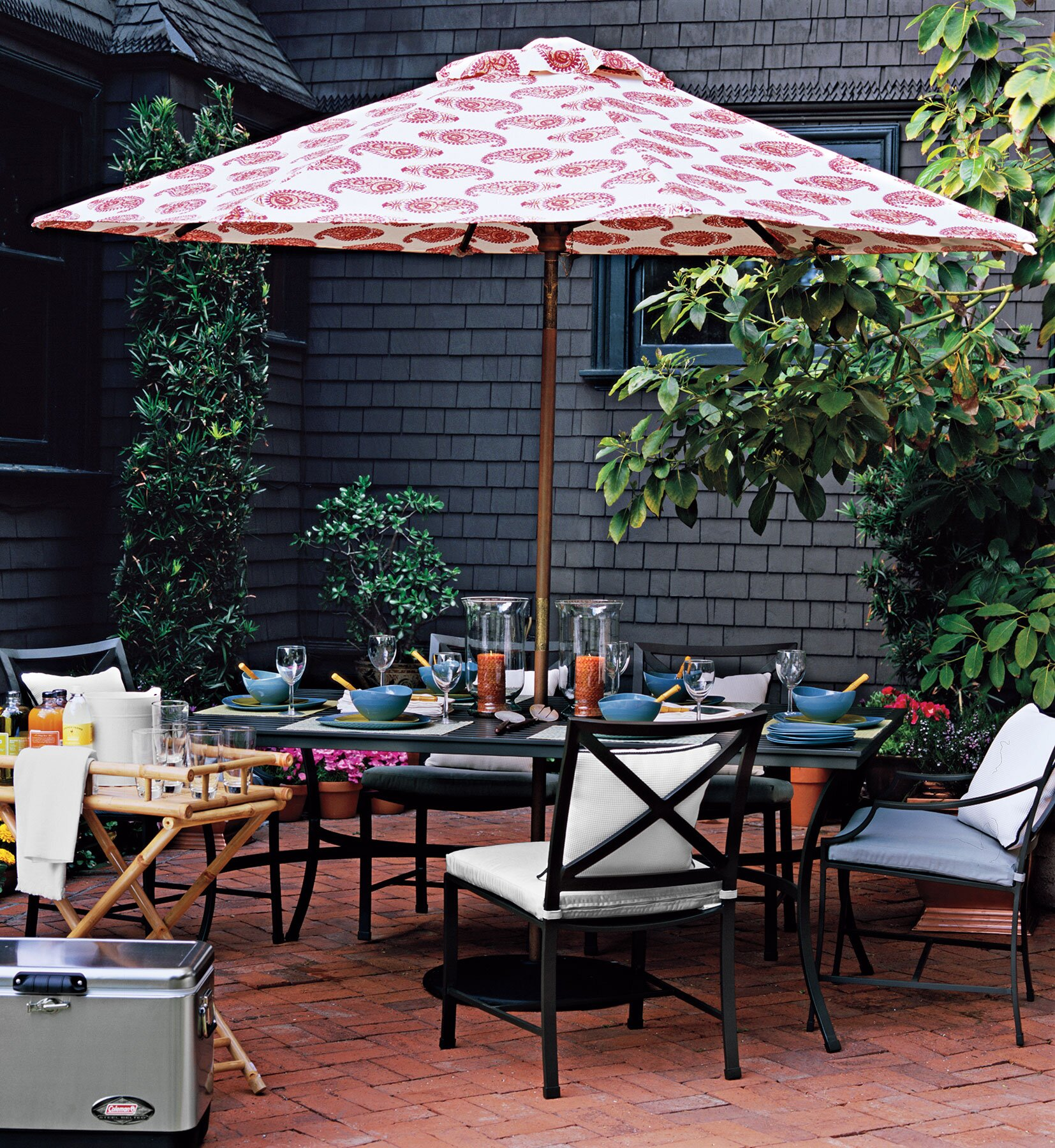 Low Maintenance High Style Outdoor Furniture Real Simple - Why-wicker-patio-furniture-is-the-best-choice-for-your-outdoor-needs