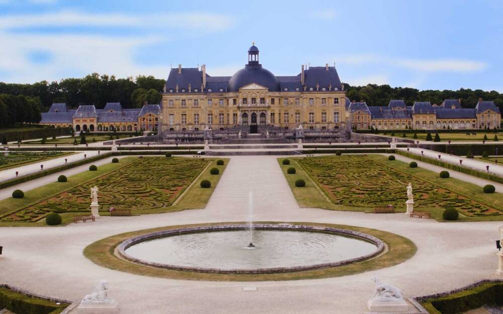 there s a secret versailles right outside paris and it s amazing