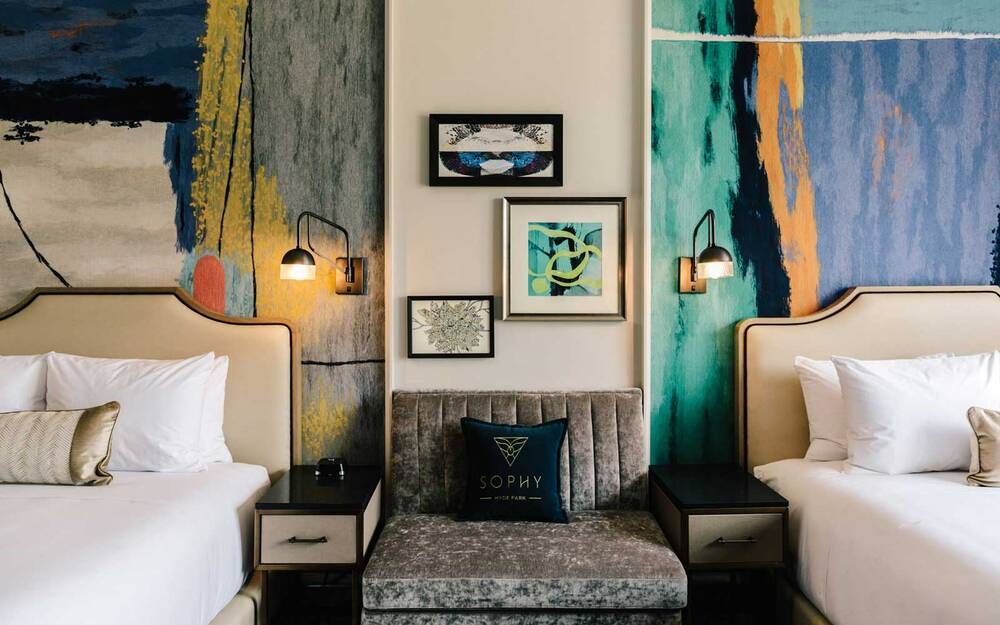 The Soppy Hyde Park Hotel In Chicago