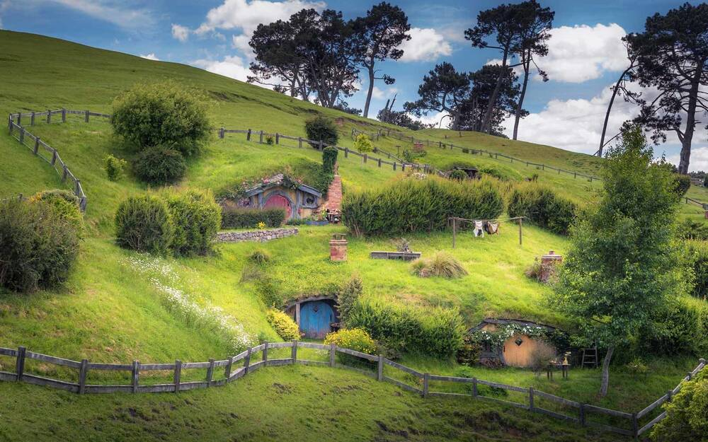 Hobbit Fueled Tourism New Zealand S Top Foreign Cash Source