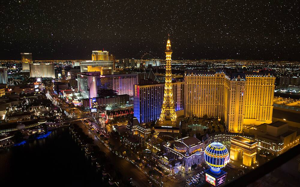 this is the absolute best day to score hotel deals in las vegas