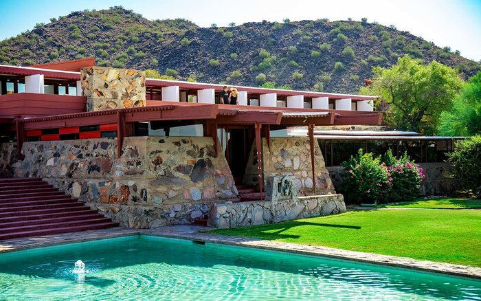 10 Must-See Houses Designed by Architect Frank Lloyd Wright | Travel on
