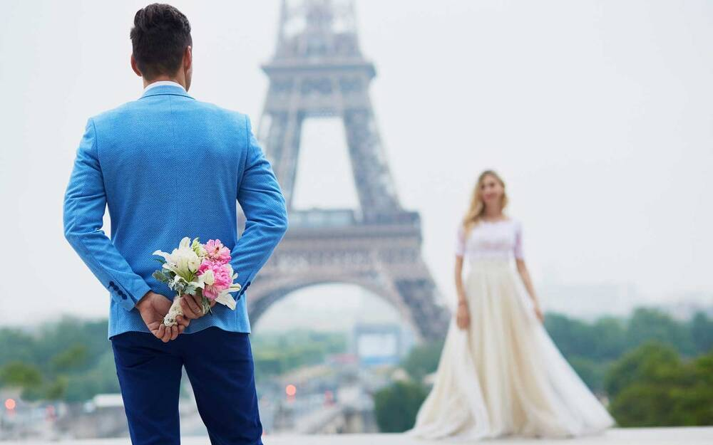 just married couple in paris france