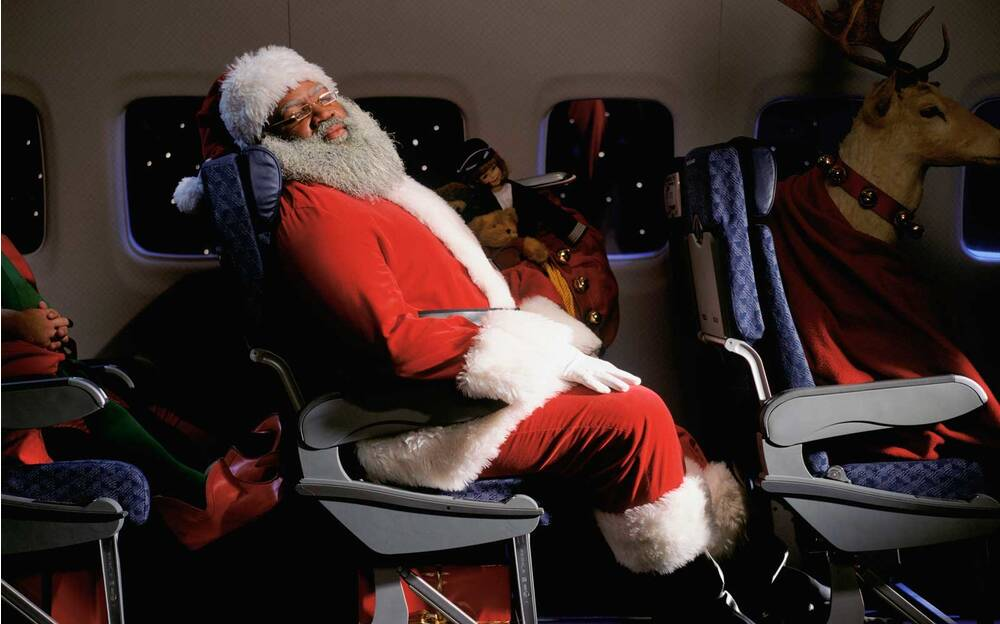 how to not be the worst person on the airplane this holiday season