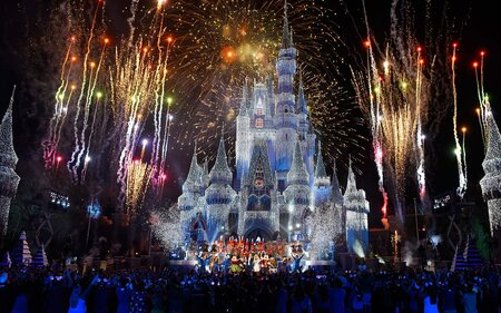 How To Have The Best New Years Eve At Disney World And Disneyland