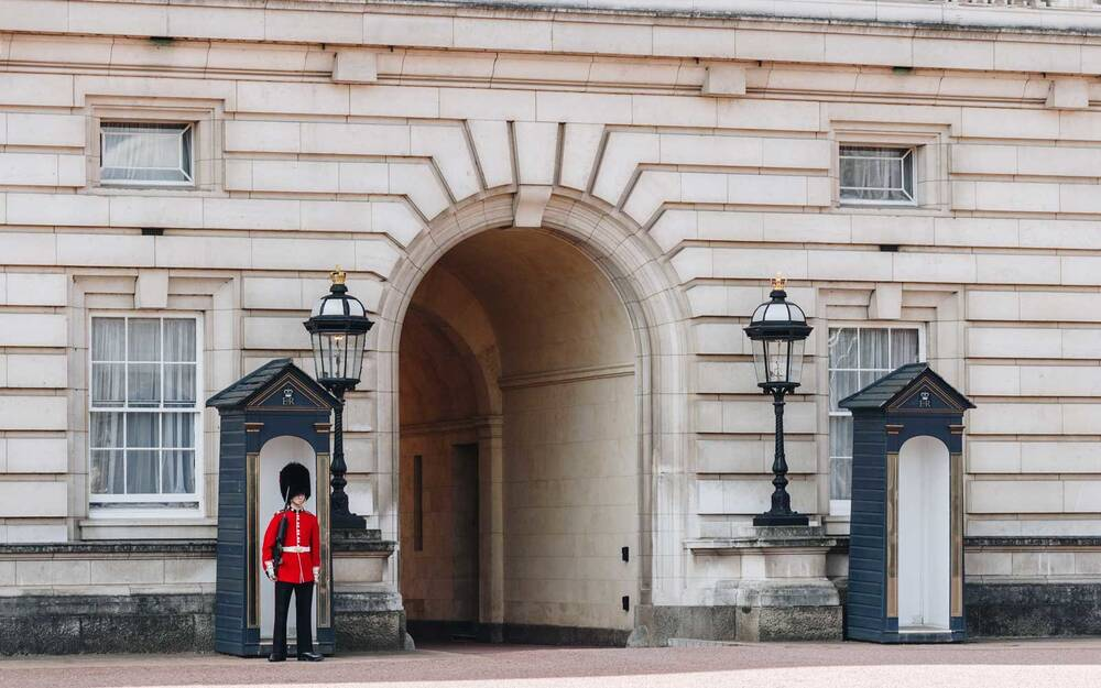 the buckingham palace renovations are unearthing garbage from 1889
