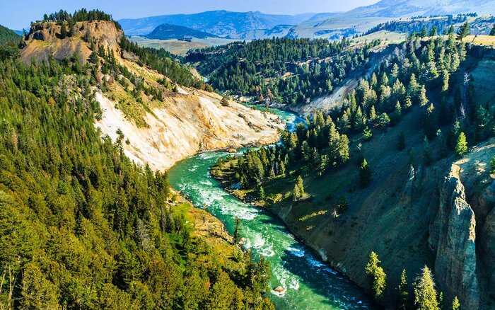 The Best Times To Visit Yellowstone National Park Wyoming