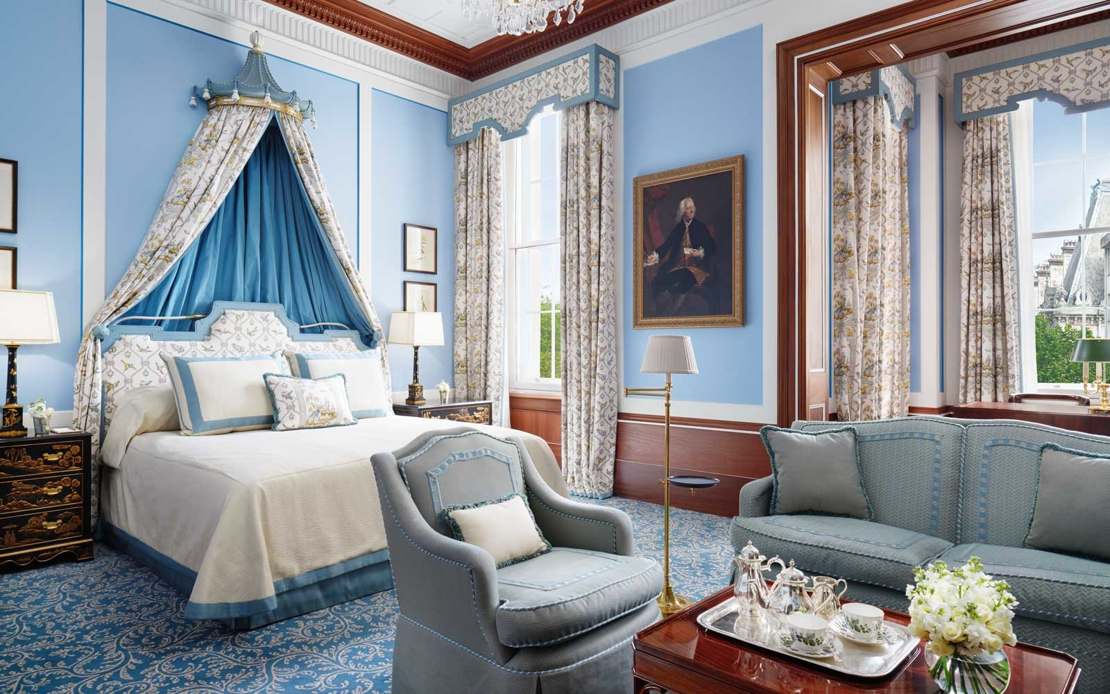 Guest room at The Lanesborough