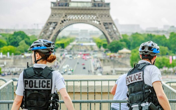 Αποτέλεσμα εικόνας για France deploys 5000 police to safeguard tourists from pickpockets