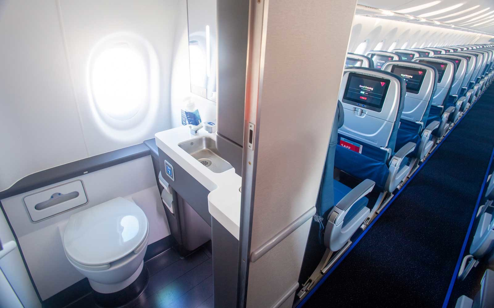 Delta Airlines Wifi | Delta S New Planes Have Stronger Wifi Bigger Seats And Windows In
